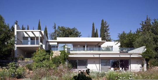 Съвременна къща- проектиране на къща от Кантора 17